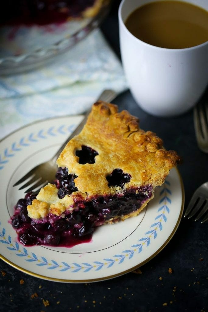 Blueberry Pie with Cornmeal Crust