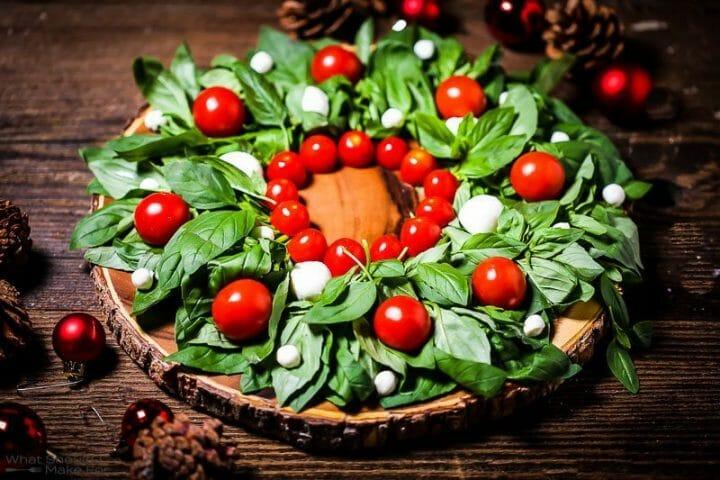 Christmas Wreath Caprese Salad